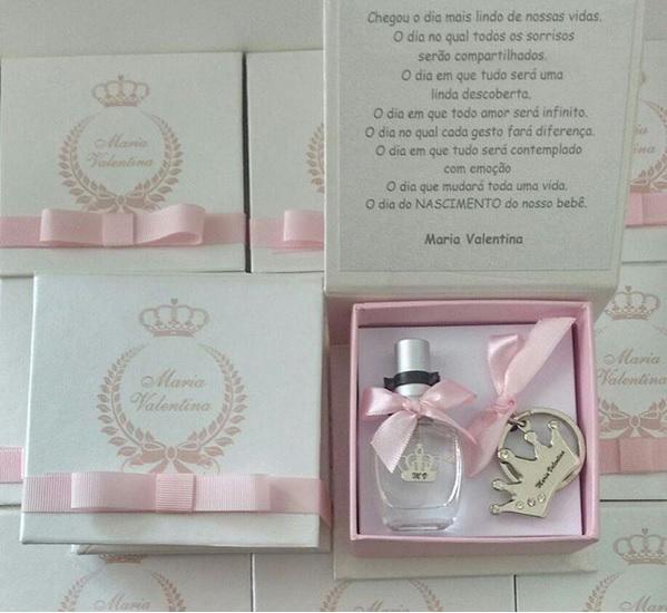 lembrancinha_maternidade_aniversario_1_ano_diferente_coroa_princesa_chaveiro_home_spray_lembrancas_especiais