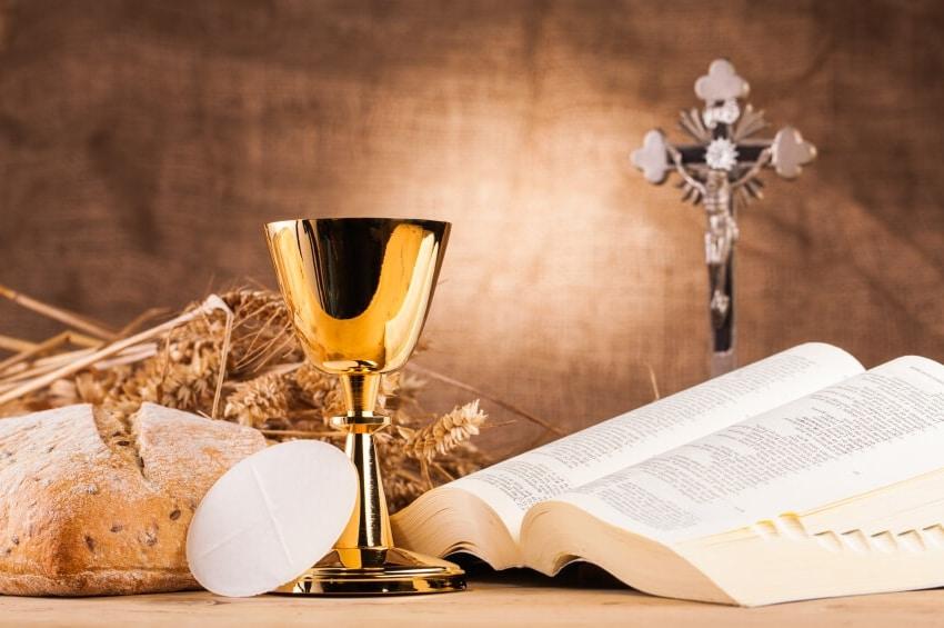 Os 7 sacramentos católicos: significados e a importância da comemoração.